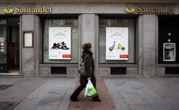 Agência do banco Santander no centro de Madri. 03/02/2015 REUTERS/Andrea Comas
