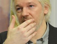 El fundador de WikiLeaks, Julian Assange, durante una conferencia de prensa en Londres . Imagen de archivo, 18 agosto, 2014. La Corte Suprema de Suecia dijo el martes que escuchará una apelación legal del fundador de WikiLeaks Julian Assange, para que se revierta la orden de arresto contra él. REUTERS/John Stillwell/pool