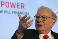 Warren Buffett, chief executive officer and chairman of Berkshire Hathaway Inc, speaks at a National Auto Dealers Association event in New York in this March 31, 2015 file photo.  REUTERS/Brendan McDermid