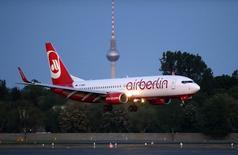 Air Berlin n'a plus qu'une seule chance pour se redresser, déclare Stefan Pichler, président du directoire de la deuxième compagnie aérienne allemande, qui a été en perte opérationnelle à quatre reprises sur les cinq dernières années. /Photo prise le 3 mai 2014/REUTERS/Fabrizio Bensch