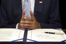 El presidente Barack Obama pidió el martes al Congreso que apresure la aprobación de un proyecto para facilitar el comercio, que el Senado de Estados Unidos acordó considerar a fines de junio. REUTERS/Jonathan Ernst - RTX1DNQC