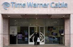 Офис Time Warner Cable в Палм-Спрингс, Калифорния. 29 января 2014 года. Объединение второго и третьего по величине кабельных операторов США произойдет в ближайшее время: Charter Communications Inc купит Time Warner Cable Inc примерно за $55 миллиардов, говорят источники, знакомые с ситуацией. REUTERS/Sam Mircovich