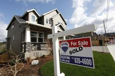 Casas en venta, en el área noroeste de Portland, Oregon, 20 de marzo de 2014. Los contratos para comprar viviendas estadounidenses usadas ascendieron por cuarto mes consecutivo en abril al récord en nueve años, mejorando el panorama para el mercado de bienes raíces. REUTERS/Steve Dipaola