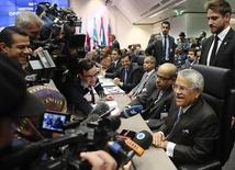 Saudi Arabia's Oil Minister Ali al-Naimi talks to journalists before a meeting of OPEC oil ministers at OPEC's headquarters in Vienna, November 27, 2014. REUTERS/Heinz-Peter Bader