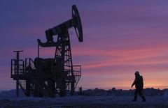 Le secrétaire général de l'Opep, Abdallah al Badri, a déclaré à la presse mardi, à trois jours de la réunion ministérielle de l'Organisation des pays exportateurs de pétrole à Vienne, qu'il voyait quelque signaux positifs sur le marché du brut. /Photo d'archives/REUTERS/Sergei Karpukhin