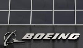 Shenzhen Airlines, filiale d'Air China, a conclu un accord d'achat de 46 Boeing B737 pour un montant de 4,3 milliards de dollars (3,9 milliards d'euros). /Photo d'archives/REUTERS/Jim Young
