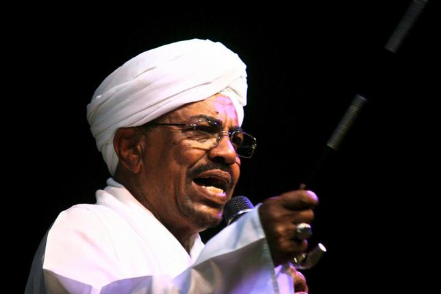 Sudan's President Omar Hassan al-Bashir speaks to the crowd after a swearing-in ceremony at green square in Khartoum, June 2, 2015. REUTERS/Stringer