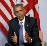 En la imagen, Barack Obama habla durante una reunión en el marco de la cumbre del G7 en  Alemania. 7 de junio, 2015.  El presidente de Estados Unidos, Barack Obama, instó a Gran Bretaña el domingo a permanecer en la Unión Europea debido a la positiva influencia que su liderazgo ha tenido en el bloque de varios países y el mundo.  REUTERS/Kevin Lamarque