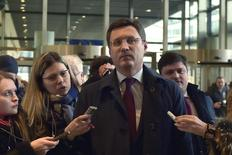 El ministro de energía ruso, Alexander Novak, llega a la sede de la Comisión Europea en Bruselas, 2 de marzo de 2015. El petróleo a un precio de entre 60 y 70 dólares el barril es cómodo para el mercado, dijo el miércoles el ministro de Energía ruso, Alexander Novak, ante el parlamento de su país. REUTERS/Eric Vidal
