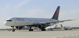 A Delta Airlines Boeing 757 at Hartsfield-Jackson International Airport in Atlanta , Georgia, December 9, 2011.    REUTERS/Tami Chappell