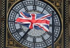 Les investissements étrangers directs au Royaume-Uni, en forte hausse, ont dépassé pour la première fois les 1.000 milliards de livres (près de 1.400 milliards d'euros) l'an dernier. L'augmentation représente 90 milliards de livres en 2014, soit une hausse de 12%. /Photo d'archives/REUTERS/Neil Hall