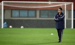 Técnico da seleção de futebol russa, Fabio Capello, durante treino na Áustria.  14/11/2014   REUTERS/Heinz-Peter Bader
