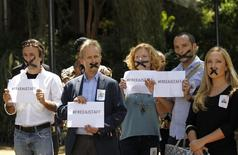 Kenya-based foreign journalists demonstrate against the imprisonment of three Al Jazeera journalists in Egypt, at the United Nations Environment programme (UNEP) headquarters in Nairobi January 13, 2015, as a reception by Egypt's Foreign Minister Sameh Shoukry took place nearby.     REUTERS/Thomas Mukoya
