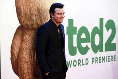 """Cast member Seth MacFarlane poses on the red carpet of the movie premiere of """"Ted 2"""" in New York June 24, 2015.     REUTERS/Shannon Stapleton"""