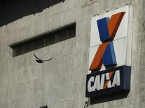 Logotipo da Caixa Econômica Federal no centro do Rio de Janeiro. 20/08/2014 REUTERS/Pilar Olivares