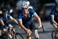 "Lance Armstrong participa de evento beneficente ""One Day Ahead"", na França. 16/07/2015 REUTERS/Fred Lancelot"