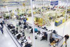 Plate-forme Sikorsky, en Pennsylvanie. Lockheed Martin rachète à United Technologies sa filiale hélicoptères Sikorsky pour neuf milliards de dollars (8,3 milliards d'euros), somme ramenée à 7,1 milliards de dollars si on prend en compte les avantages fiscaux liés à la transaction. /Photo d'archives/REUTERS/Mark Makela