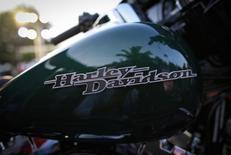 Мотоцикл Harley-Davidson в Мумбаи. 30 октября 2014 года. Квартальная прибыль Harley-Davidson Inc. сократилась из-за укрепления американского доллара, повлиявшего на продажи на зарубежных рынках, и понижения цен иностранными конкурентами. REUTERS/Danish Siddiqui