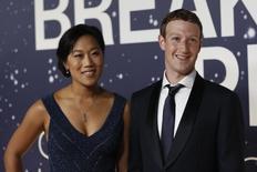 Mark Zuckerberg e Priscilla Chan durante evento na Califórnia.  9/11/2014. REUTERS/Stephen Lam