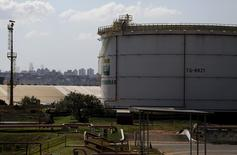 A fuel storage tank is seen at the company Petroleo Brasileiro SA, or Petrobras, in Sao Caetano do Sul, near Sao Paulo July 24, 2015. REUTERS/Nacho Doce