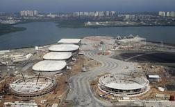 Vista aérea da construção do Parque Olímpico para Jogos do Rio.  29/7/2015. REUTERS/Ricardo Moraes