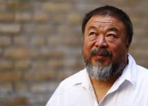 Artista chinês Ai Weiwei é fotografado em ateliê em Berlim. 13/8/2015.  REUTERS/Pawel Kopczynski