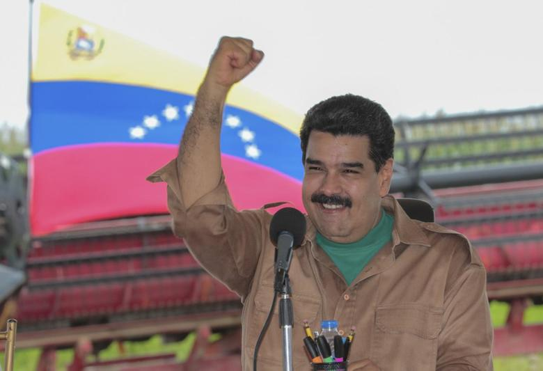 Venezuela's President Nicolas Maduro  in the state of Cojedes, in this handout picture provided by Miraflores Palace on August 12, 2015. REUTERS/Miraflores Palace/Handout via Reuters
