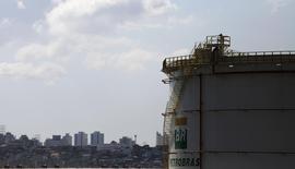 A fuel storage tank is seen at the company Petroleo Brasileiro SA, or Petrobras, in Sao Caetano do Sul, near Sao Paulo July 24, 2015.  REUTERS/Nacho Doce