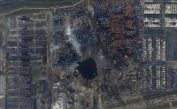 Vista aérea de local da explosão no novo distrito de Binhai,  em Tianjin. 16/8/2015 REUTERS