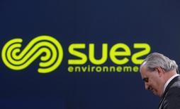 """Jean-Louis Chaussade, PDG de Suez Environnement dont le titre sera à suivre vendredi à la Bourse de Paris après le relèvement par RBC de sa recommandation de """"performance en ligne"""" à """"surperformance"""". /Photo prise le 12 mars 2015/REUTERS/Christian Hartmann"""