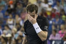 Andy Murray of Britain reacts after losing a point against Kevin Anderson of South Africa during their fourth round match at the U.S. Open Championships tennis tournament in New York September 7, 2015. REUTERS/Adrees Latif