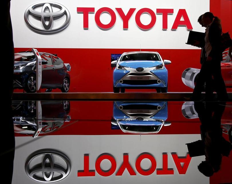 japan toyota and the hybrid car essay