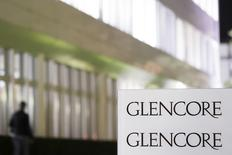 The logo of Glencore is pictured in front of the company's headquarters in the Swiss town of Baar, November 13, 2012. REUTERS/Michael Buholzer