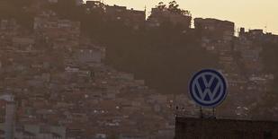 Logotipo da Volkswagen em fábrica em São Bernardo do Campo. 08/01/2015. REUTERS/Nacho Doce