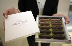 Nestlé a annoncé mercredi avoir conclu des accords permettant d'élargir les ventes internationales du chocolat haut de gamme Cailler., marque créée en 1819. /Photo d'archives/REUTERS/Denis Balibouse