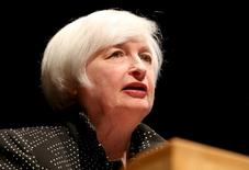 Chair do Fed, Janet Yellen, em discurso na Universidade de Massachusetts. 24/09/2015 REUTERS/Mary Schwalm