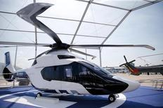 """Prototype H160 d'Airbus Helicopters. Des accords """"conséquents"""" dans l'aéronautique, concernant notamment Airbus Helicopters, seront conclus mardi à Riyad en marge d'un forum d'affaires franco-saoudien, selon des sources proches du dossier. /Photo prise le 13 juin 2015/REUTERS/Pascal Rossignol"""