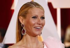 """La actriz Gwyneth Paltrow llega a la  87 edición de los Oscar en Hollywood, California, el 22 de febrero de 2015. En una semana en la que Meryl Streep se ha referido a la igualdad salarial y actrices de la película """"Suffragette"""" aplaudieron a las manifestantes contra la violencia machista que invadieron el estreno, el tema volvió a ser protagonista en un acto en Los Ángeles. REUTERS/Lucas Jackson"""