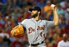 Detroit Tigers starting pitcher Daniel Norris (44) throws during the first inning against the Texas Rangers at Globe Life Park in Arlington. Mandatory Credit: Kevin Jairaj-USA TODAY Sports