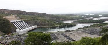 Vista de hidrelétrica de Furnas em Minas Gerais. 14/01/2013  REUTERS/Paulo Whitaker