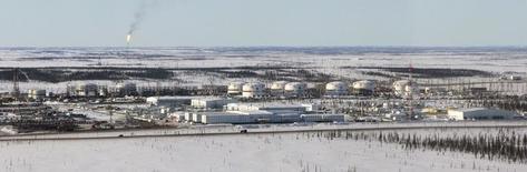 Вид на Ванкорское месторождение Роснефти 14 апреля 2010 года. Indian Oil Corp хочет купить долю в Ванкорском месторождении Роснефти в России, сказал ее председатель во вторник. REUTERS/Ilya Naymushin