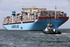 Le conglomérat danois A.P. Moller-Maersk a fait état vendredi d'un bénéfice trimestriel en baisse de près de moitié à 778 millions de dollars, deux semaines après avoir revu à la baisse sa prévision de bénéfice annuel. /Photo d'archives/REUTERS/Michael Kooren