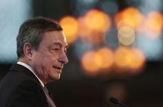 Presidente do Banco Central Europeu (BCE), Mario Draghi, durante evento em Londres.   11/11/2015   REUTERS/Suzanne Plunkett