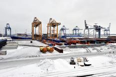 Le Produit intérieur brut (PIB) de la Finlande a diminué de 0,6% au troisième trimestre, par rapport aux trois mois précédents, ce qui laisse présager une quatrième année consécutive de contraction économique. Par rapport au troisième trimestre 2014, le PIB finlandais accuse une contraction de 0,8%, attribuée à des exportations en baisse et une consommation faible. /Photo d'archives/REUTERS/LEHTIKUVA /Kimmo Mantyla