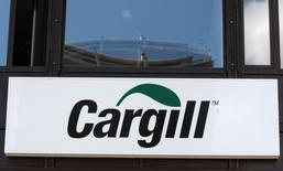 A logo is pictured on the building of Cargill International SA in Geneva August 4, 2009. C REUTERS/Denis Balibouse