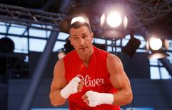 Boxing - Wladimir Klitschko Public Work-Out - Dusseldorf Airport, Dusseldorf, Germany - 25/11/15 Wladimir Klitschko during his work out Action Images via Reuters / Lee Smith