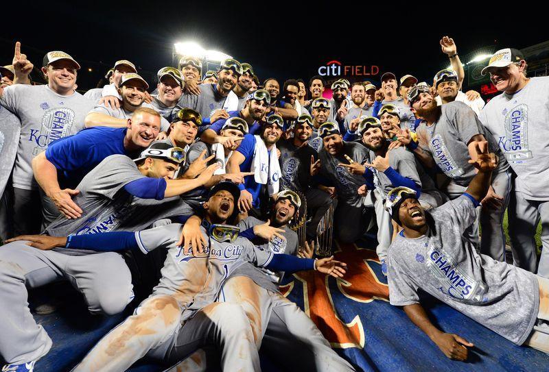 Royals players get $370,000 bonus for World Series win - Reuters