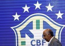 Presidente da Confederação Brasileira de Futebol (CBF), Marco Polo Del Nero, após entrevista coletiva no Rio de Janeiro, em setembro. 17/09/2015 REUTERS/Sergio Moraes