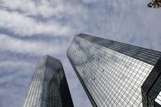 The Deutsche Bank headquarters are seen in Frankfurt, Germany October 29, 2015.  REUTERS/Kai Pfaffenbach
