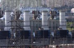 Газовая электростанция в Стамбуле. 8 января 2009 года. Турецкая государственная газопроводная компания Botas сократила поставки газа на некоторые электростанции до половины нормального объема для экономии зимних запасов газа, сообщили Рейтер чиновники в энергетической отрасли. REUTERS/Osman Orsal